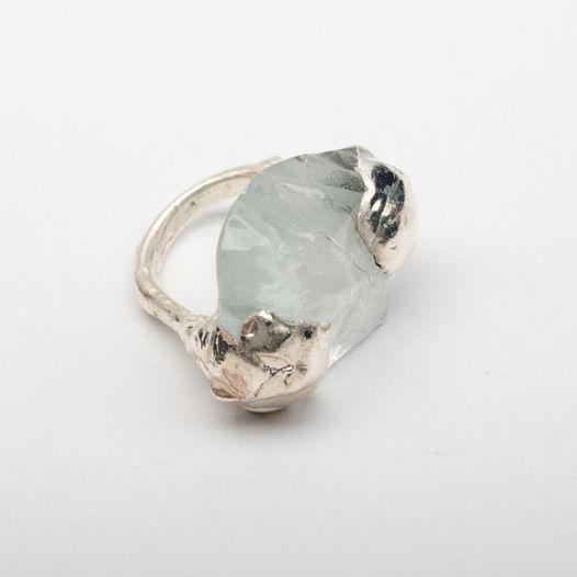 Кольцо из стекла Белый лед