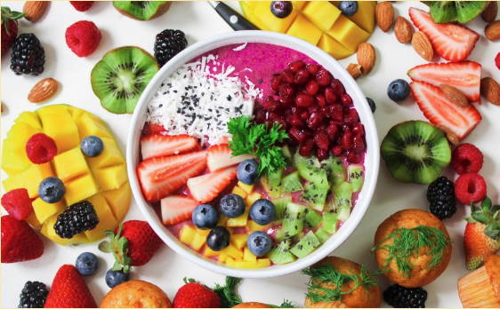 A healthy smoothie bowl made with macronutrients.