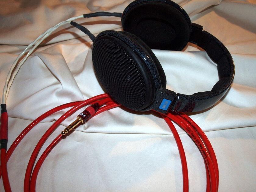 Sennheiser Electronics HD-600 Headphones & Clou Cable