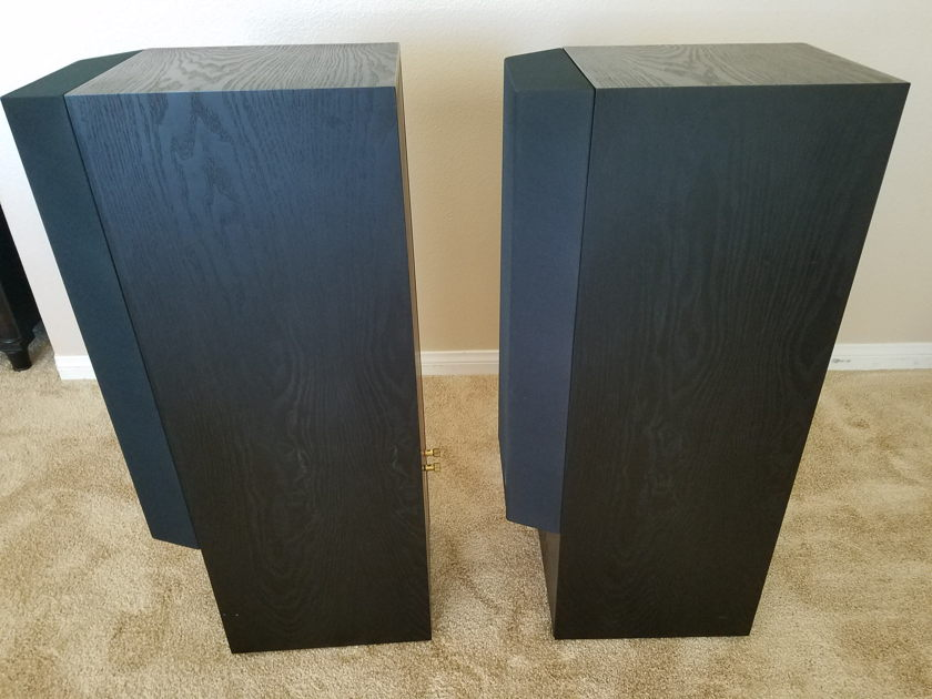 KEF 104/2 Reference Series Speakers with Kube