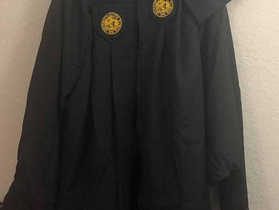 RENTERS BAY: Graduation Gown and Cap For Graduates