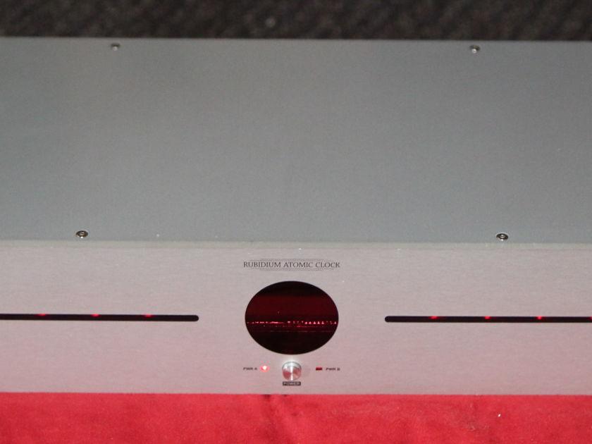 Antelope Audio Isochrome 10M Rubidium Atomic Clock