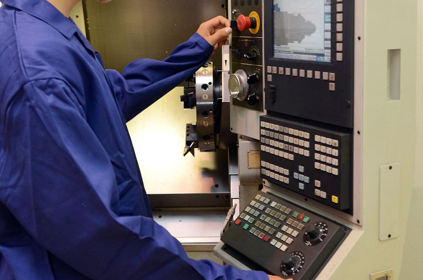 Maturitní obor programátor CNC strojů