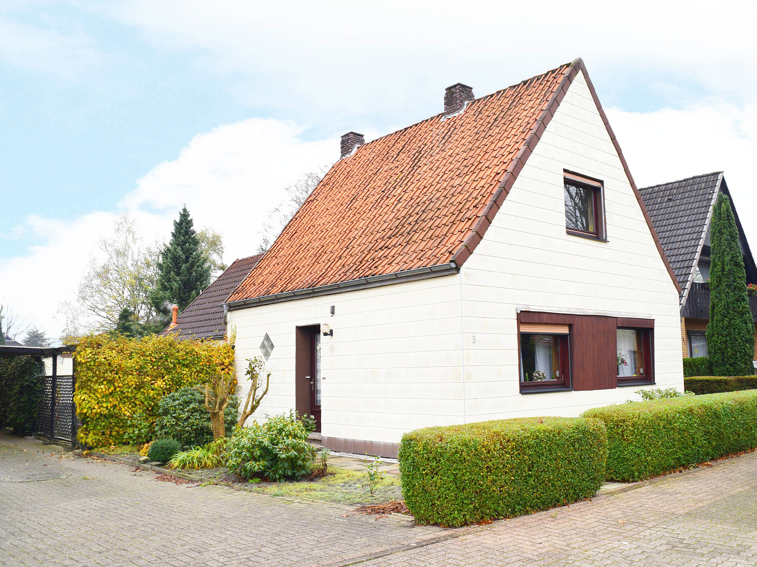 Eigenheim Auf Grossem Grund In Delmenhorst