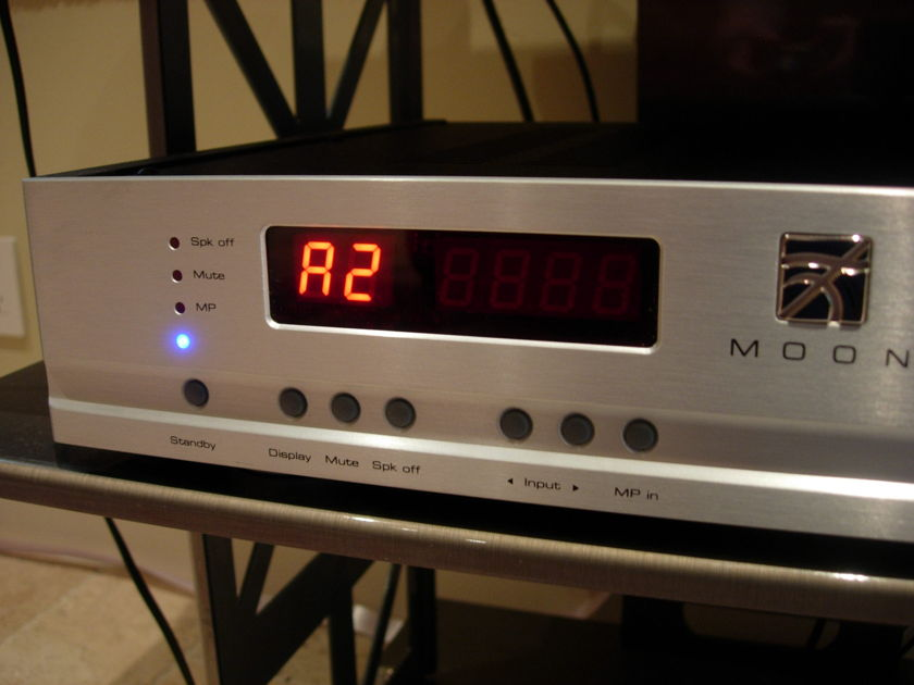 Moon integrated amp I3.3 W/DAC 6 months old