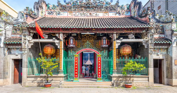 top-five-temples-in-vietnam