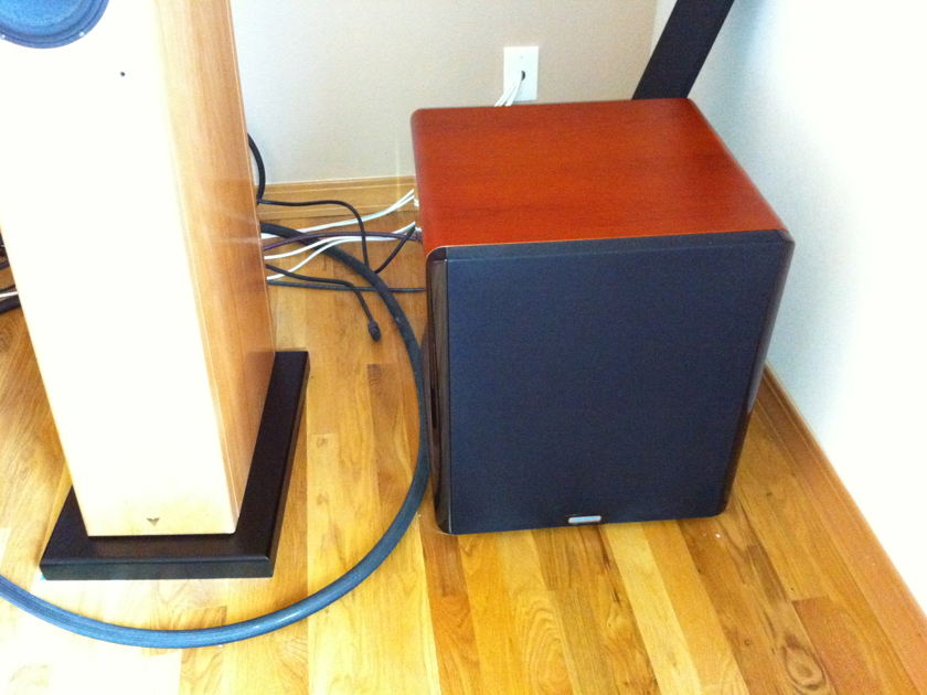 Vienna acoustic maesrto grand center channel and two  waltz rear channel