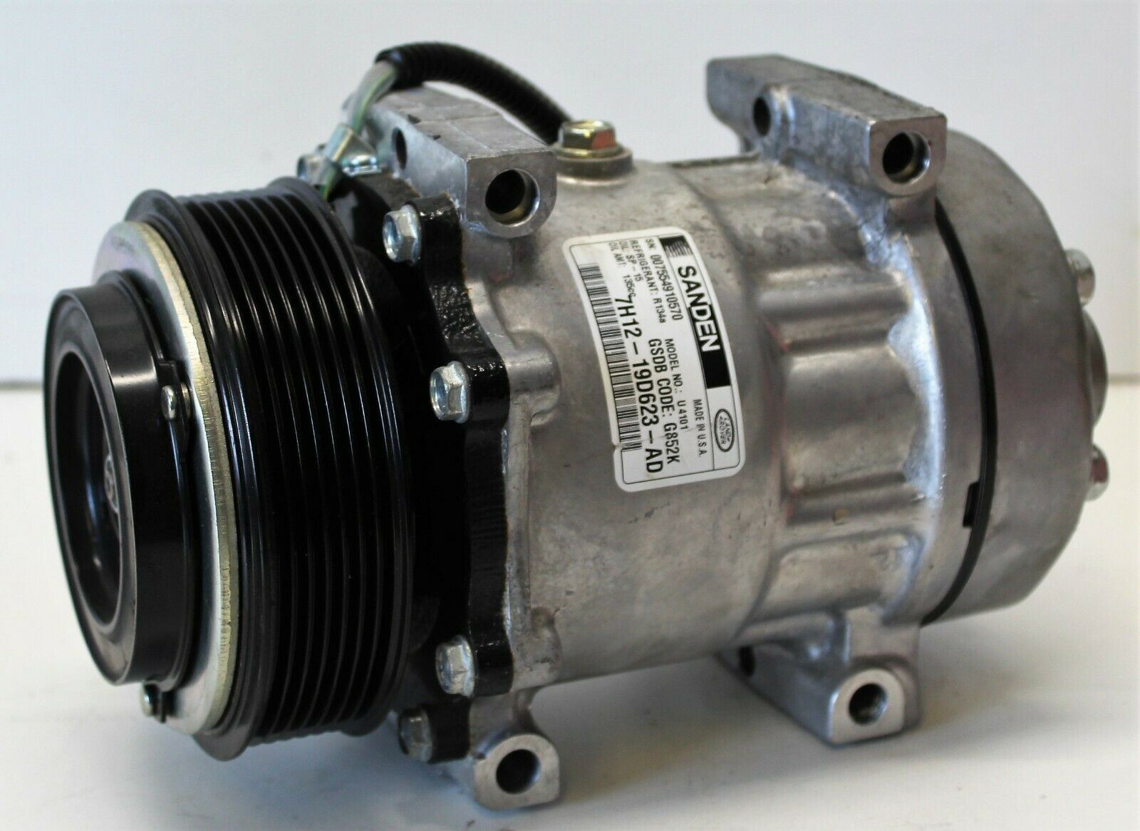 Air Conditioning Compressor Pump LR031453's featured image