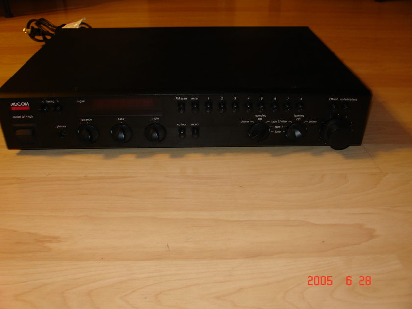 ADCOM  GTP-400 PREAMPLIFIER/TUNER
