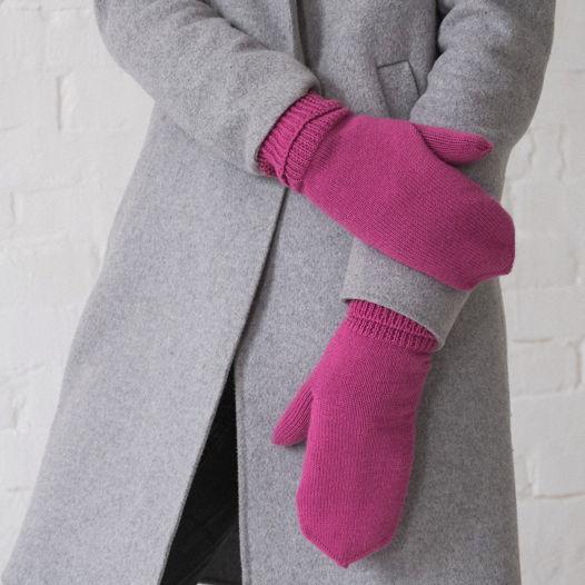 Тёплые вязаные розовые варежки с подкладом из флиса