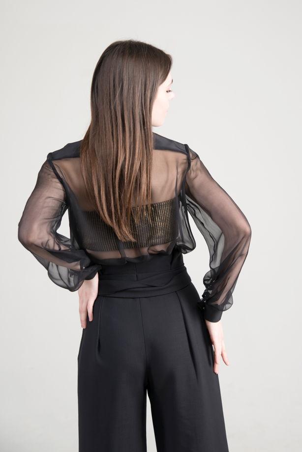 Блуза из 100% шифон- шелка.