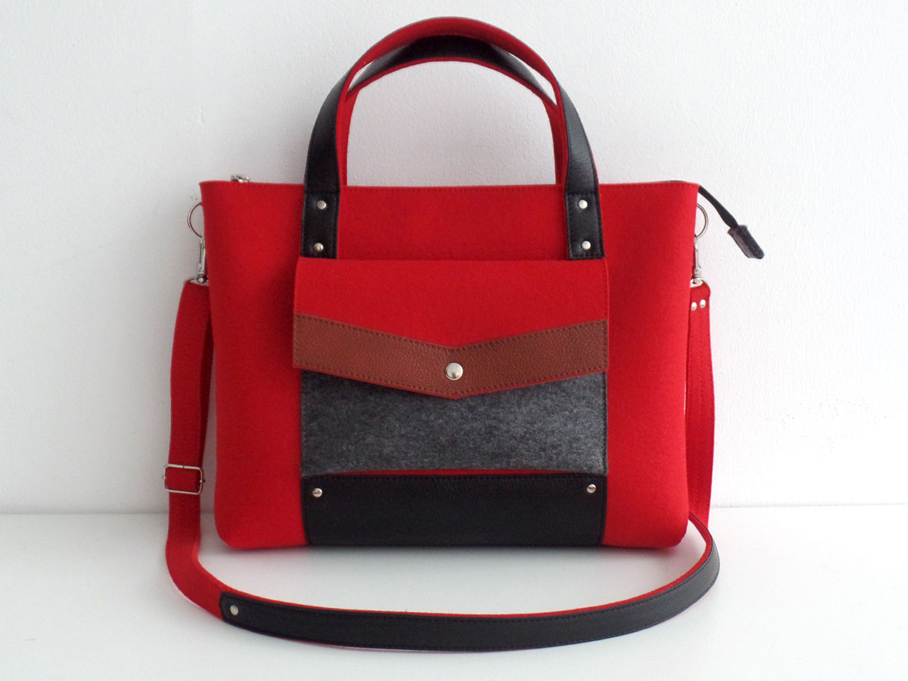 Ярко-красная сумка-портфель из фетра и натуральной кожи в магазине ... 6f60c8f7619