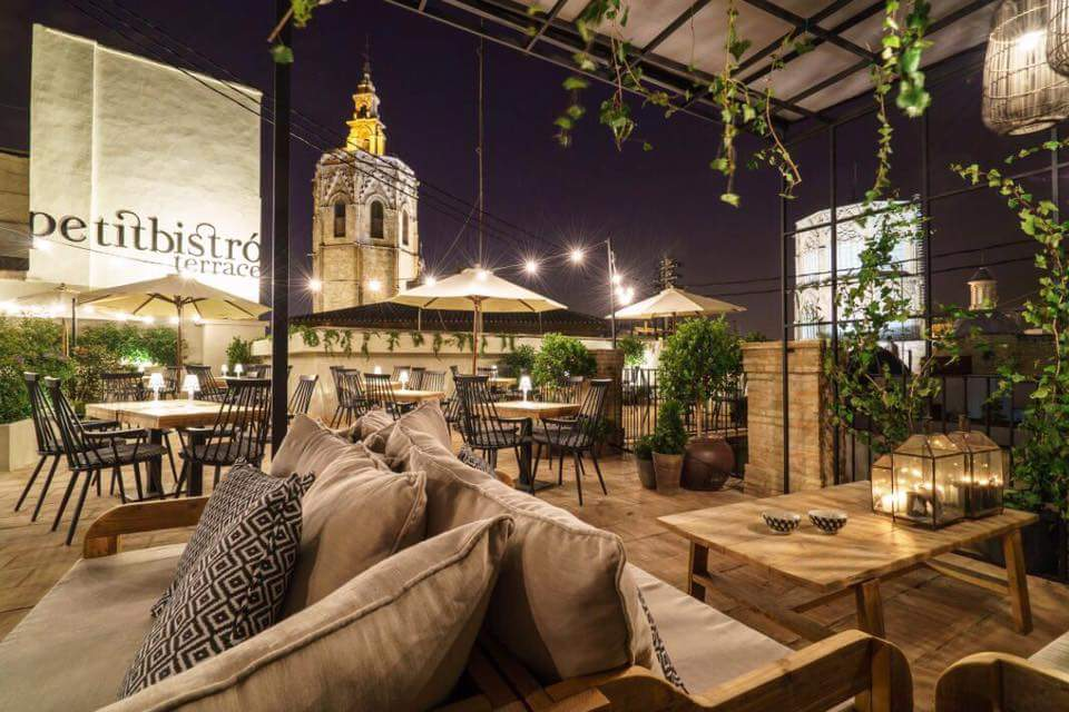 Where To Enjoy A Few Drinks With The Best Views In Valencia