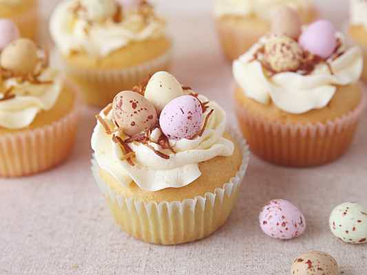 Bilbao - Impress at your Easter breakfast: Easter cupcakes and delicious decor
