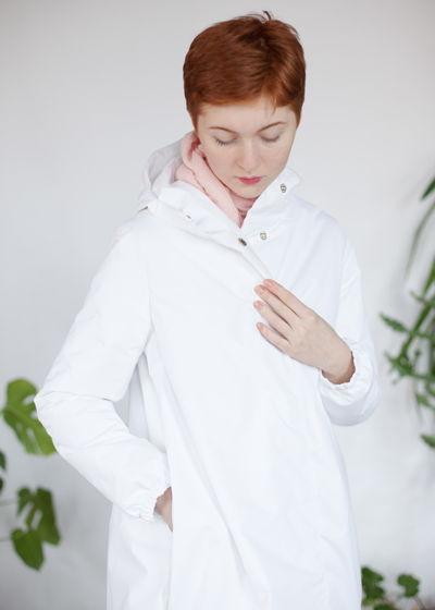 белоснежная зимняя куртка