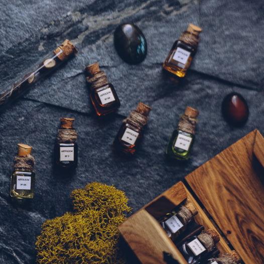 Набор из 9 ароматов по 2 мл селективной парфюмерии ручной работы