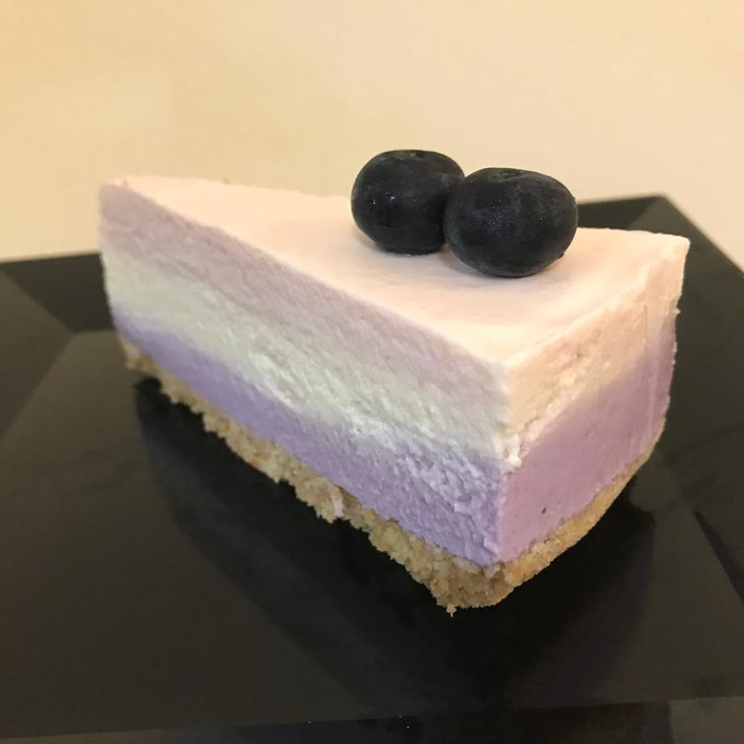 Strawblueberry cheesecake   Creamcheese Whipping cream Yoghurts Lemon juice Strawberry  Blueberry disgestive biscuit vanilla essence butter lakanto