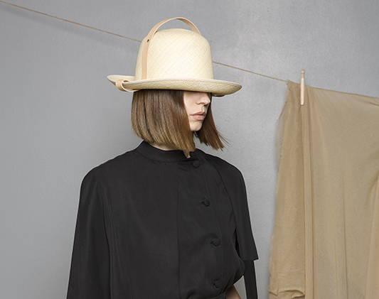 Fashion woman wears a white hat