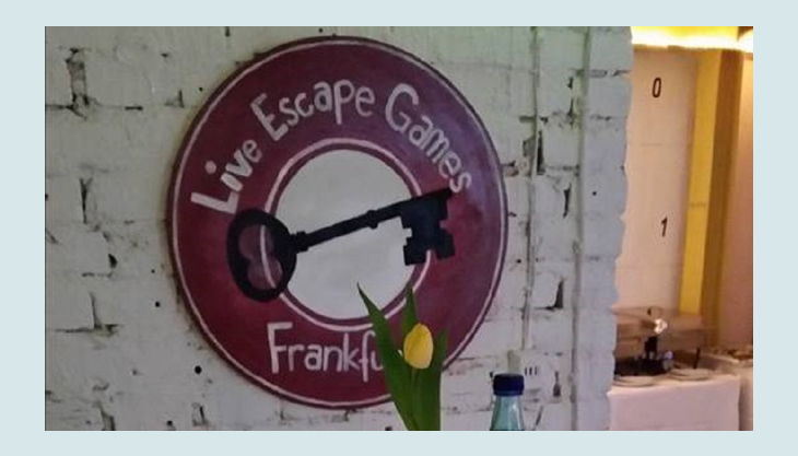 bg liveescape frankfurt empfang tisch kerze