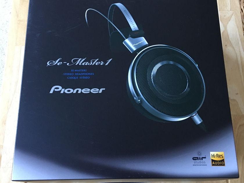 Pioneer SE-Master 1