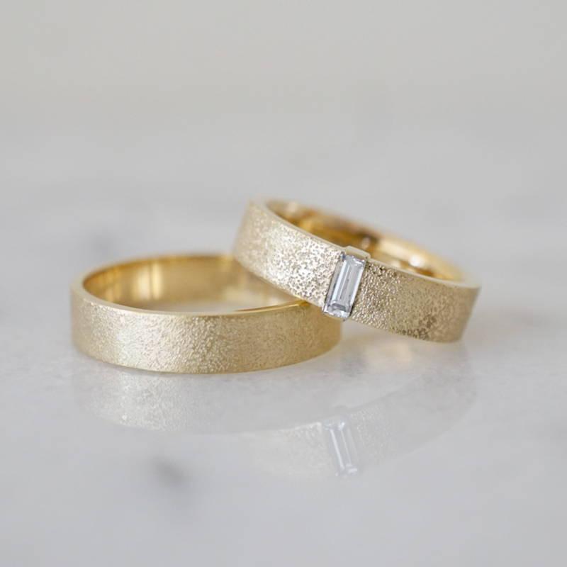 wedding bands with diamonds