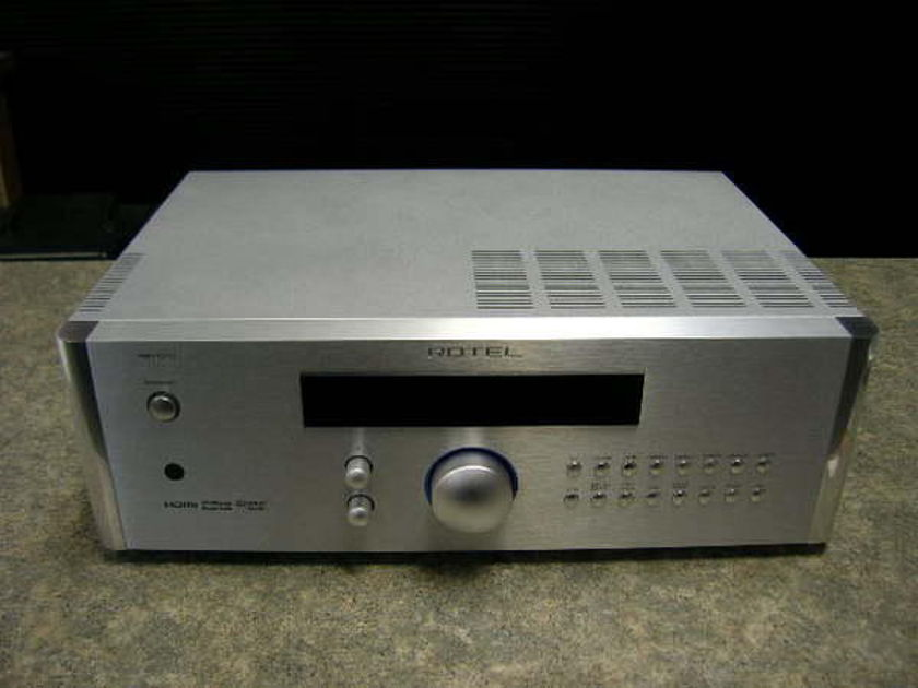 Rotel RSP-1570  Silver Finish