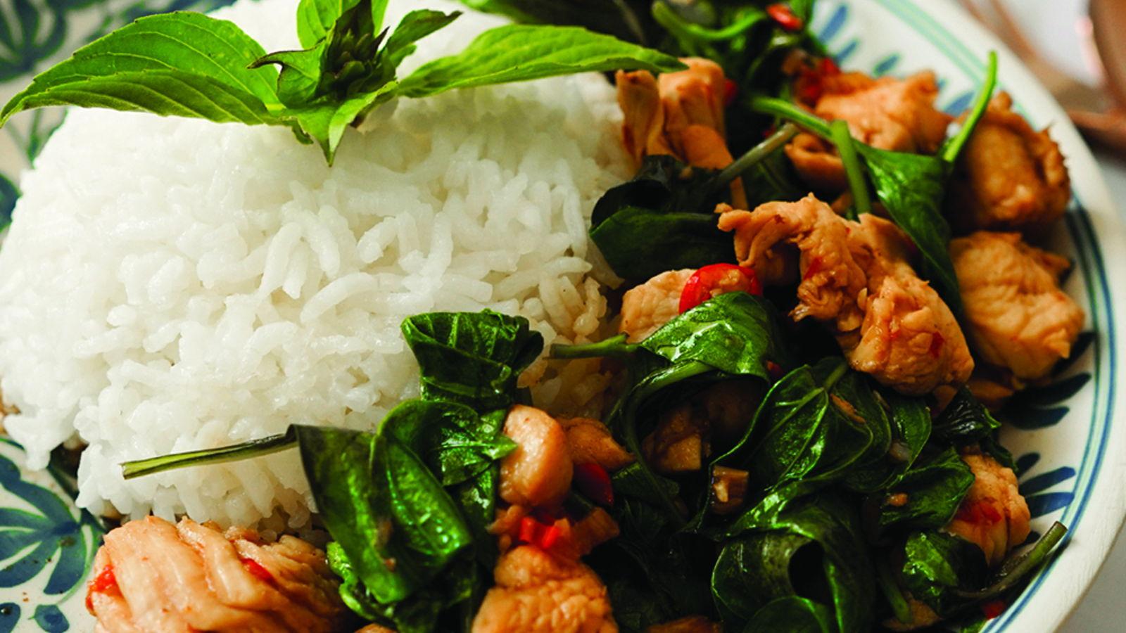 Stir-fry chicken with sweet basil – Gai Pad Horapa