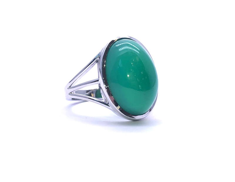White gold ring with jade
