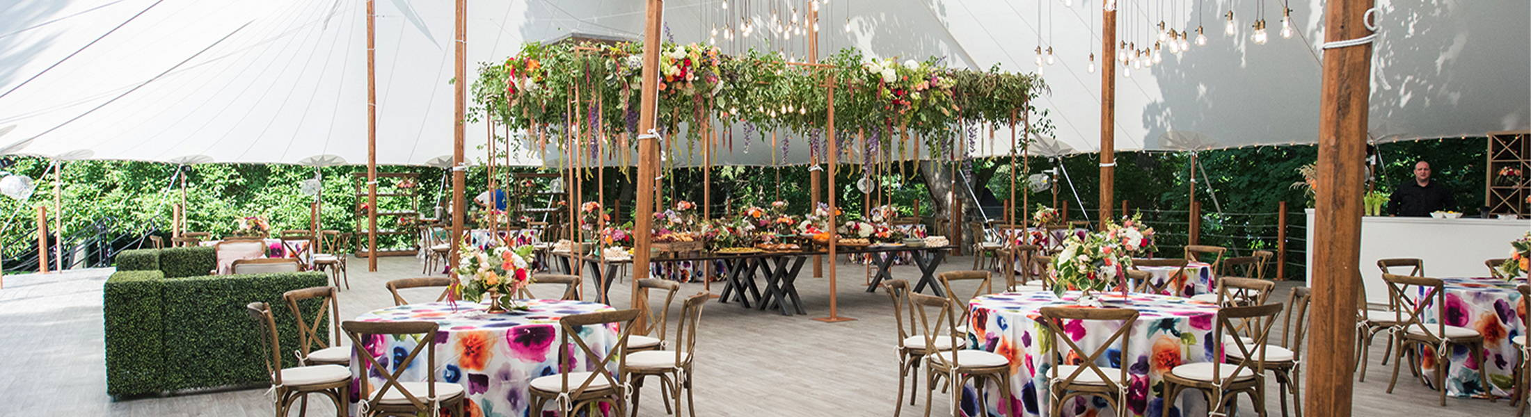 Pittsford NY Tented wedding | Pittsford Florist | Wedding Floral