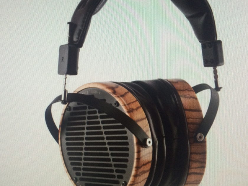 AUDEZE LCD3  new pair