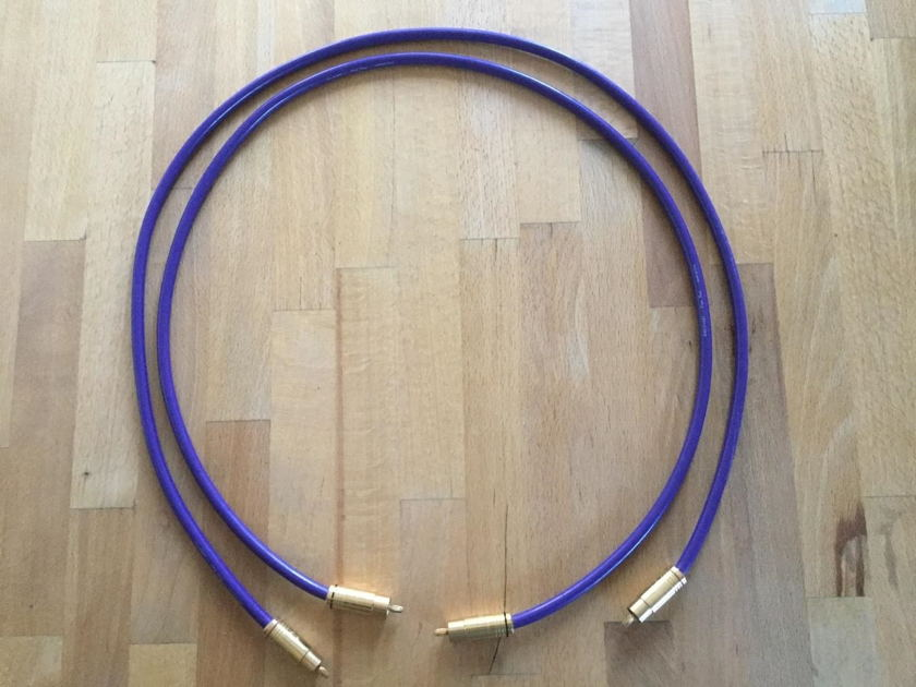 Discovery Cable Plus Four RCA 1M pr. Sweet sounding!
