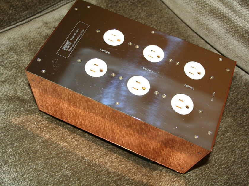 IsoClean 80A3 6-outlet power conditioner (see pics)