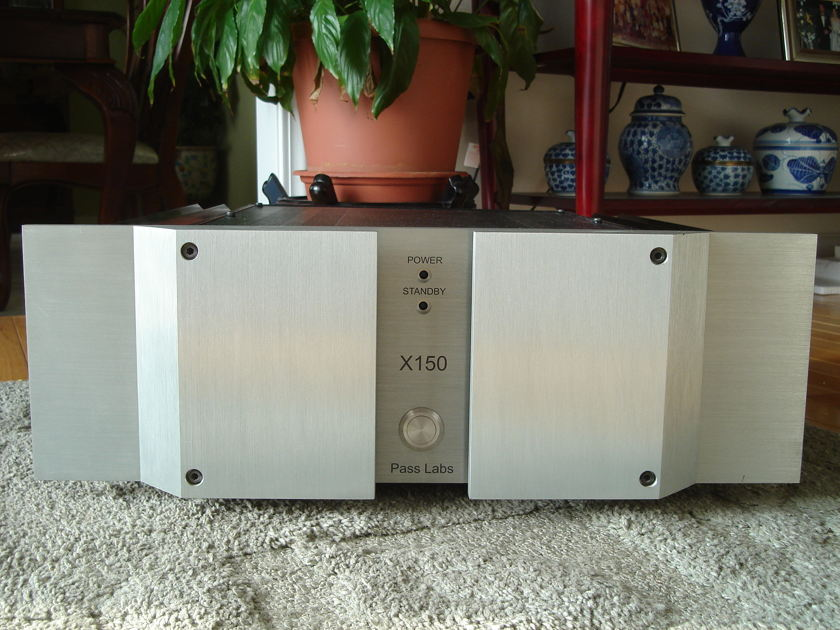 Pass Labs X150 power amp from Nelson Pass - see photo