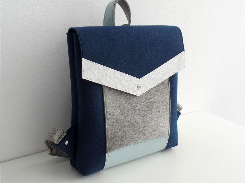 Темно-синий рюкзак из фетра и натуральной кожи
