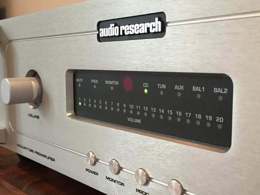 Audio Research LS17 SE Tube Preamp + FREE Bonus Wireworld Cable - Reduced!