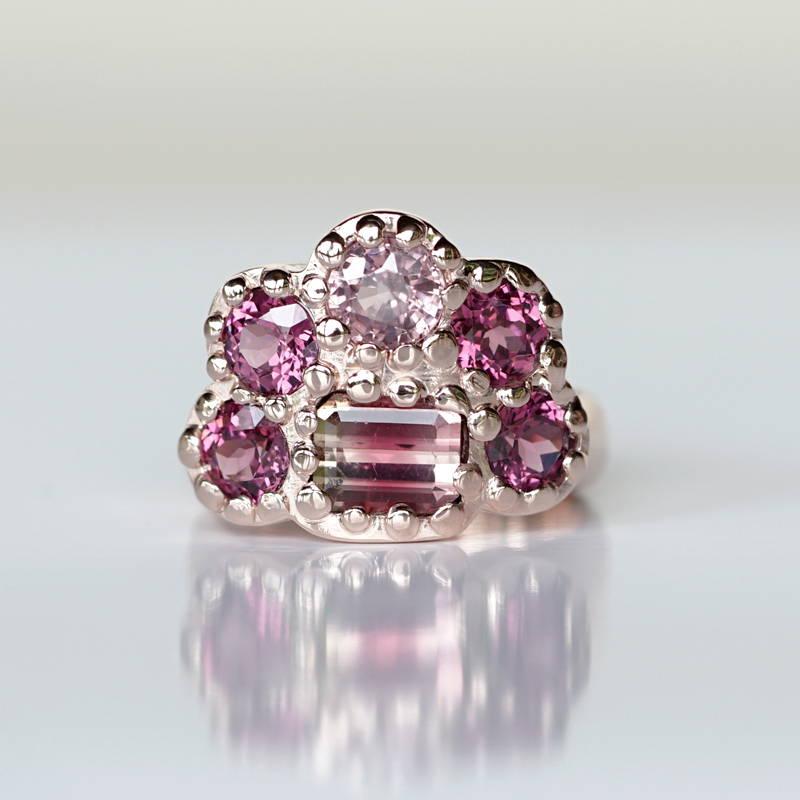 Rose gold an tourmaline ring