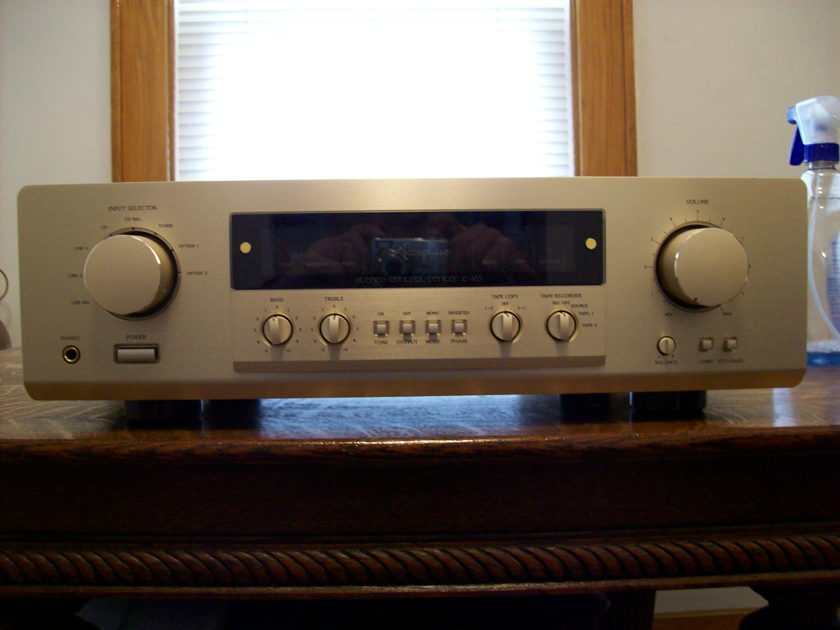 Accuphase C-265 Stereo Pre-amp