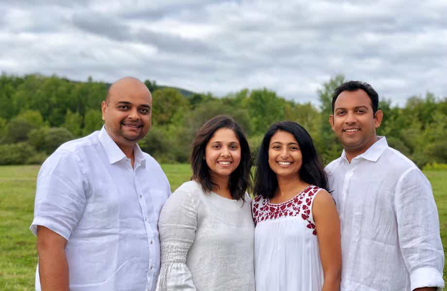 Franchise Owners from left to right - Ketul Patel, Tina Patel, Kinjal Parekh, Anand Parekh
