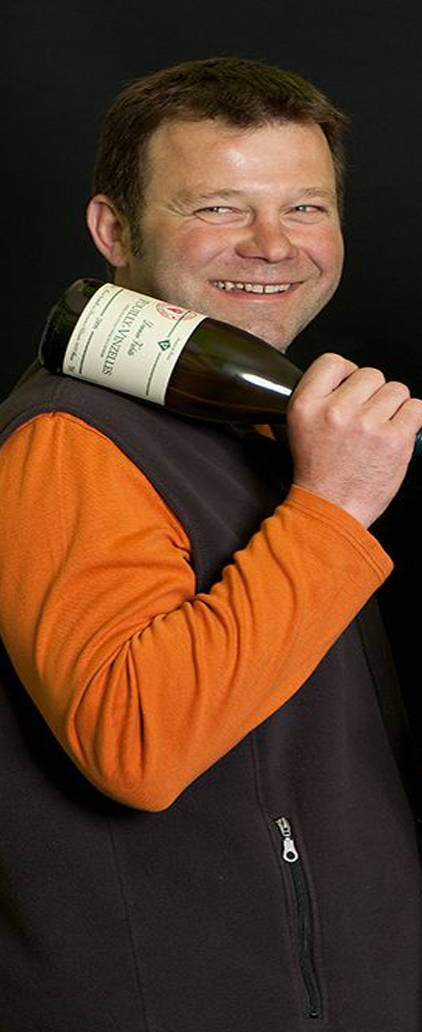 France, vin nature, rawwine, organic wine, vin bio, vin sans intrants, bistro brute, vin rouge, vin blanc, rouge, blanc, nature, vin propre, vigneron, vigneron indépendant, domaine bio, biodynamie, vigneron nature, cave vin naturel, cave vin, caviste, vin biodynamique, bistro brute, Quimper, Finistère , bourgogne, philippe valette , maison valette ,
