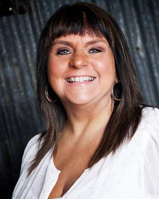 Linda Dussault