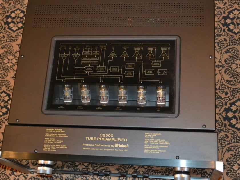 McIntosh  C2500 2-Channel Vacuum Tube Preamplifier