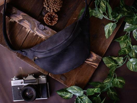 Поясная сумка из натуральной кожи -HILTON- цвет Черный Уголь