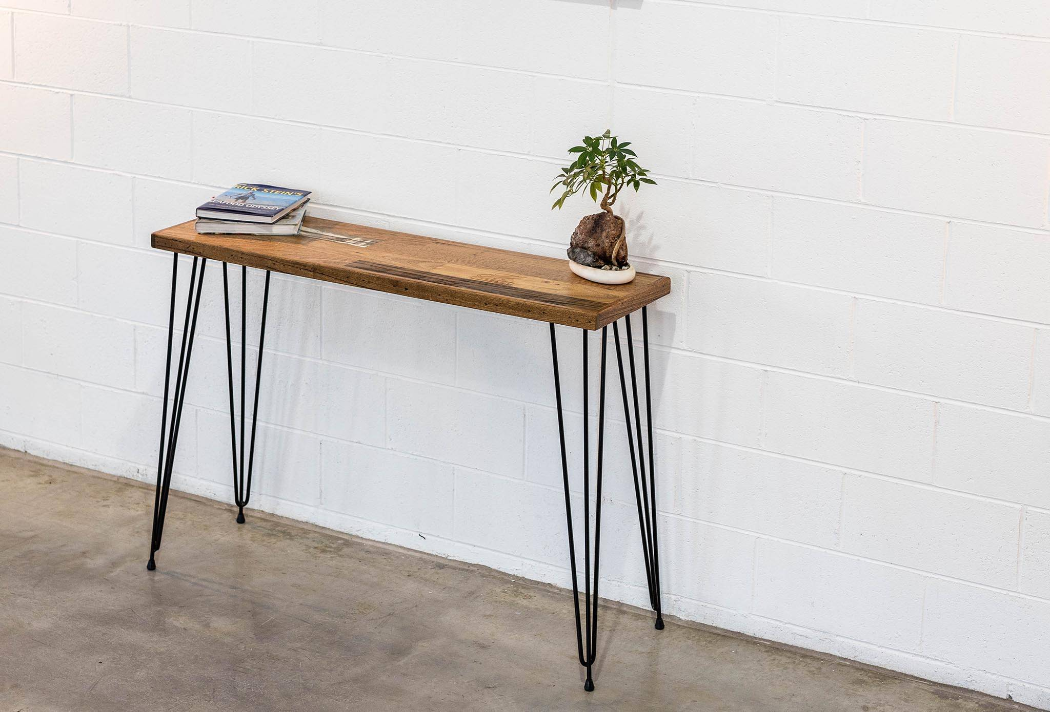 Hall Table Scatter Top w/ Hairpin Legs