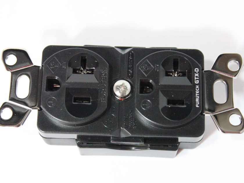 Furutech GTX-D  Rhodium plated duplex outlet - open box