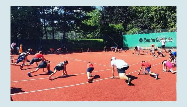 tennis academy wiesbaden kindergeburtstag liegestütze