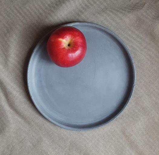 Тарелка из бетона