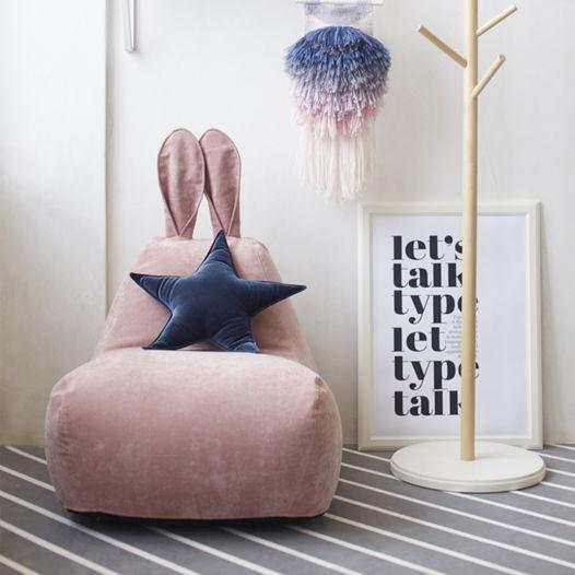 Детский бескаркасный пуф-заяц (розовый велюр)