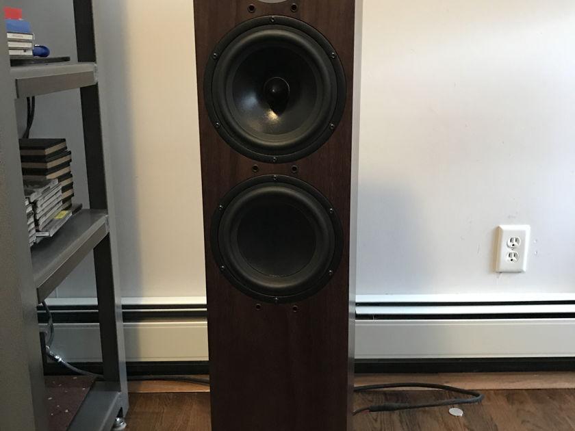 Spendor D7 Speakers Only 3 weeks used!