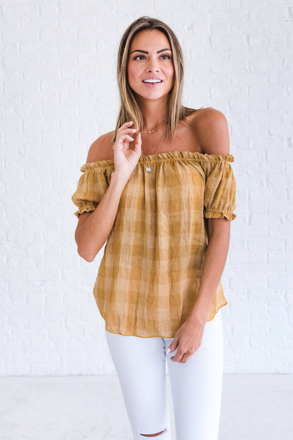 Summer Reading List 2018 mustard checkered off shoulder top