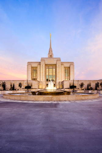 Vertical photo of the Ogden Temple and fountain.